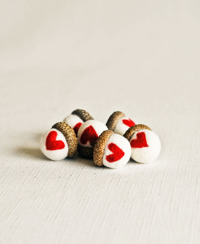 Hearts Needle Felted Large Acorns - Set of 6 - Woodland Nature Waldorf Inspired Home Decor All Natural Wool Felt Gift Decorations - handmadebybrynne
