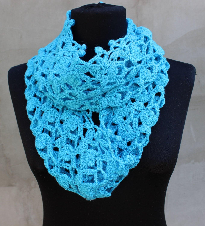 Связанные шарфы крючком