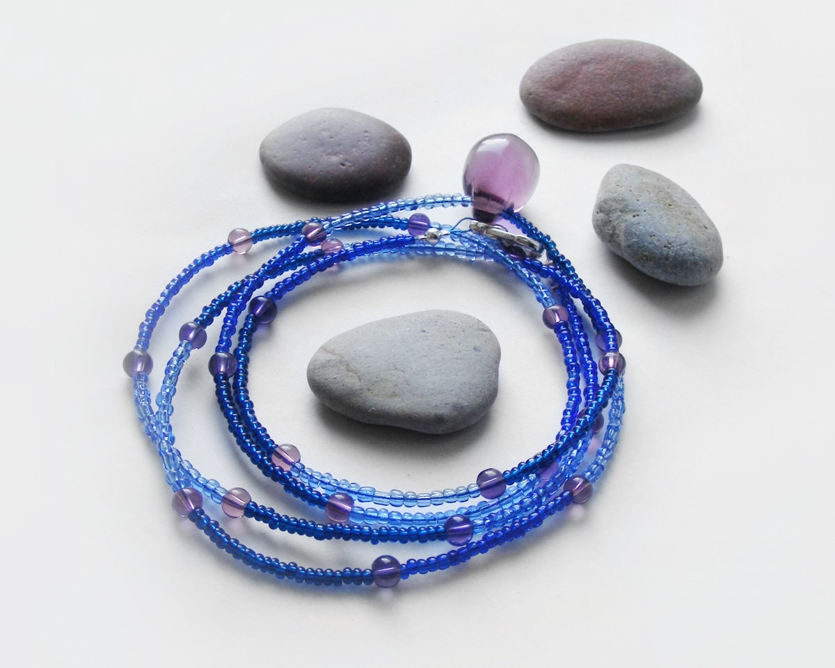 Beaded necklace, very long necklace, delicate purple blue necklace, simple drop necklace - kapelusznik