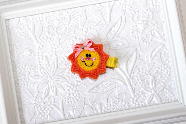 Sun Felt Clippie - Orange and Yellow Sun - Sun Hair Clip - Beach - Summer - Ocean - SamdipityBowtique