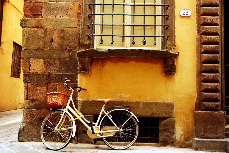 "Crema Bicicletta, 12""x18"" Fine Art Print"