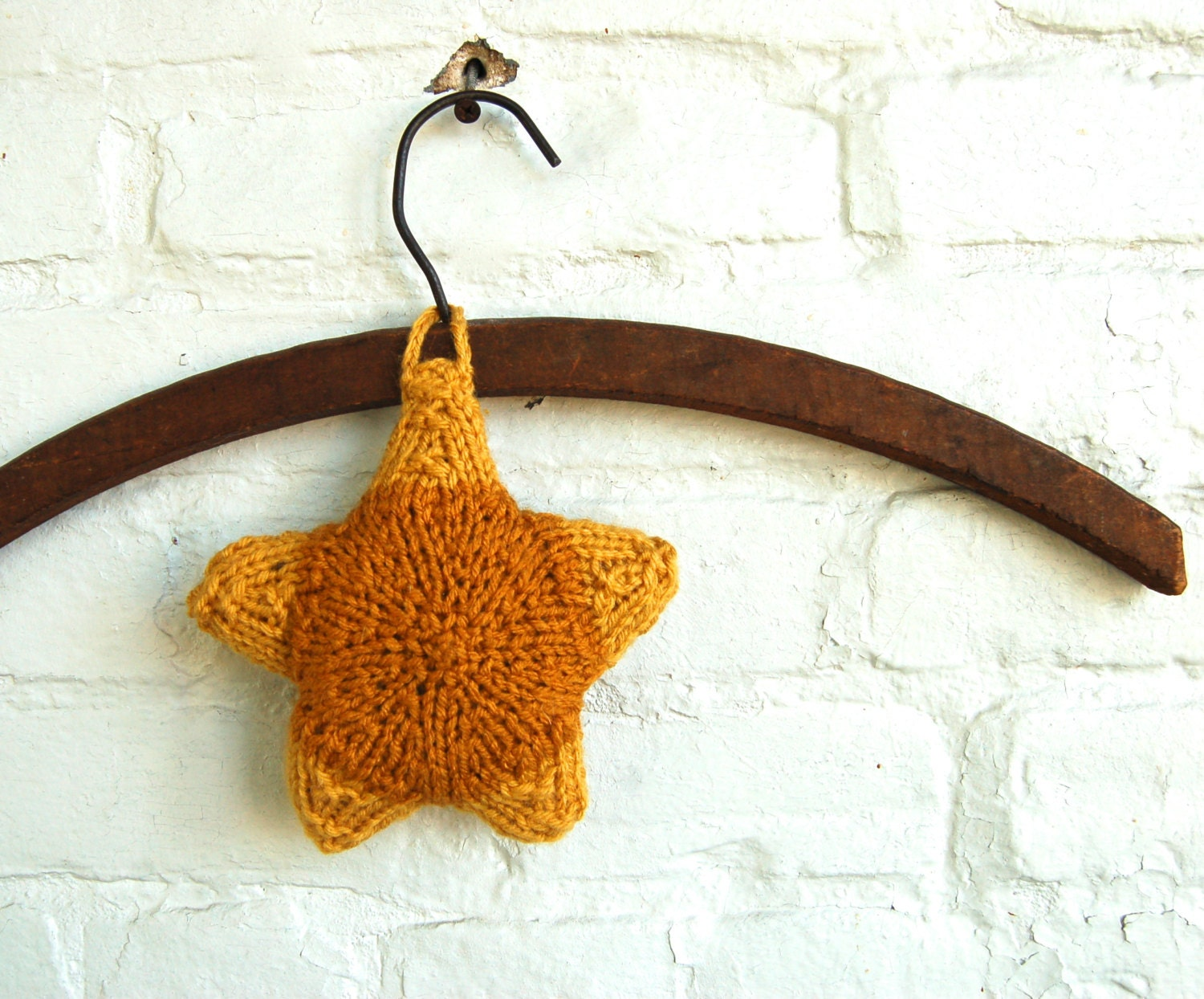 Star Ornament Sachet Lavender and Clove Hand Knit Fragrance Air Refresher Color Block Gold - AdobeHouseVintage