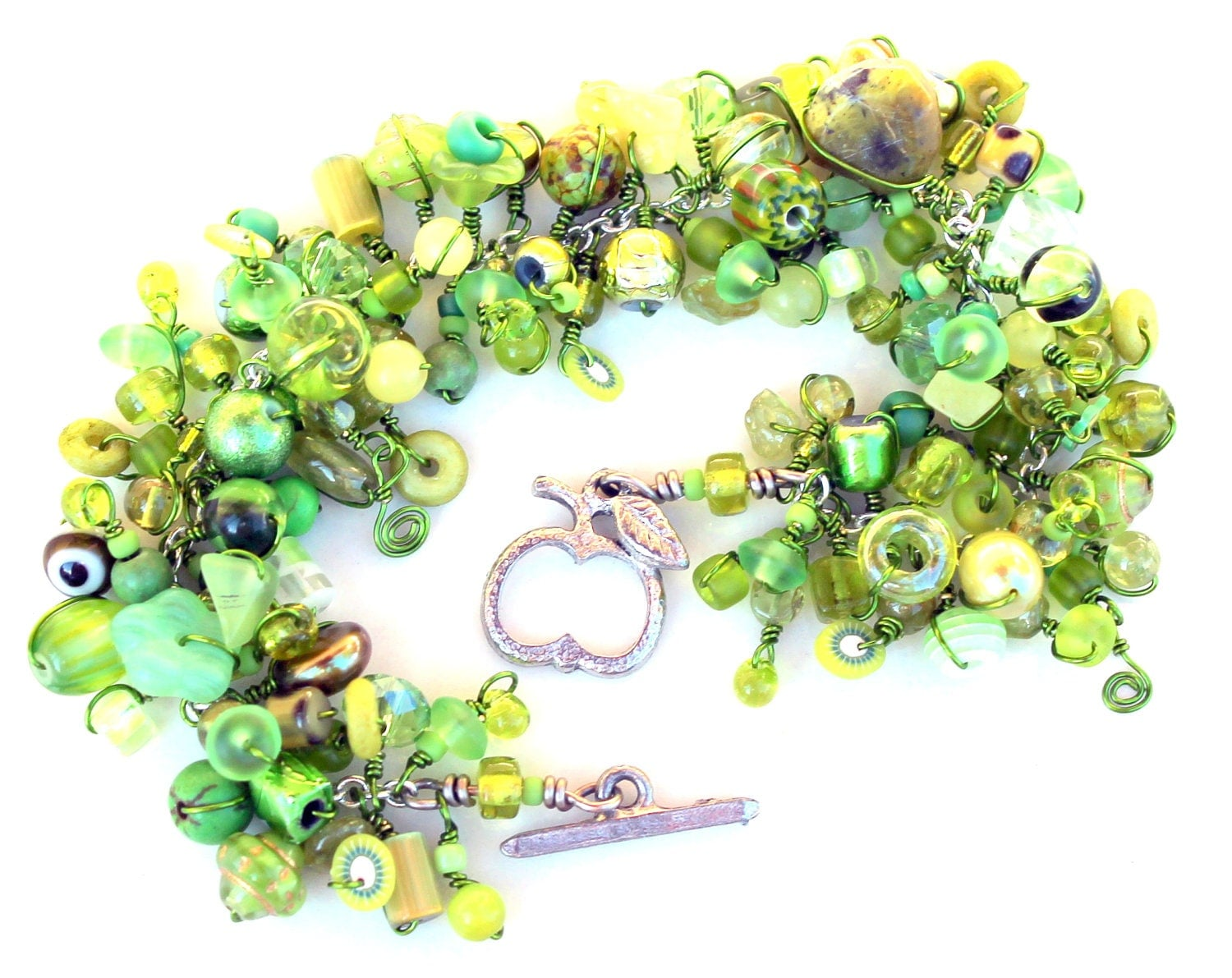 candy apple bracelet. teachers pet. peridot green beads. wire wrapped. light green lime apple beaded jewelry