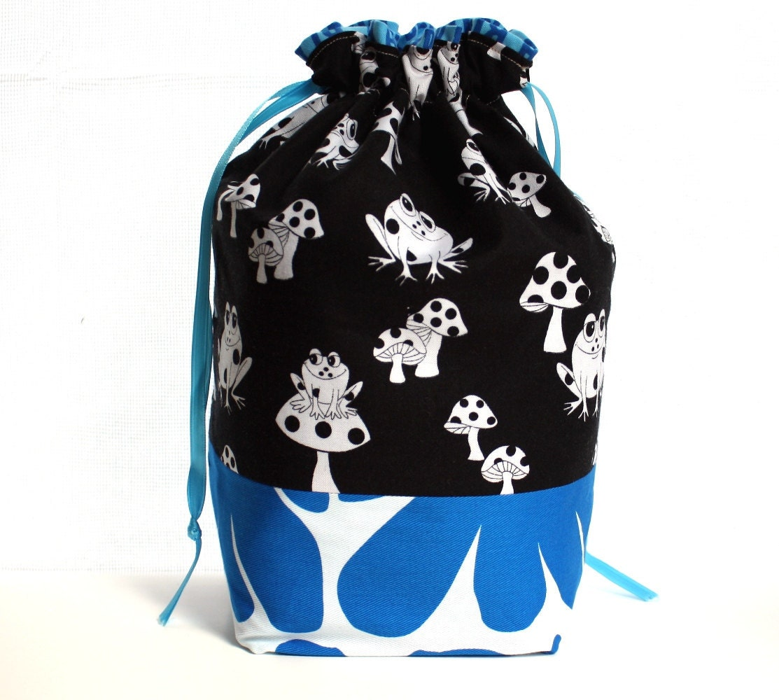 Knitting Project Bag, Drawstring Closure, Square Bottom, Black White Blue, Frog Flower Blah, Supply Clip