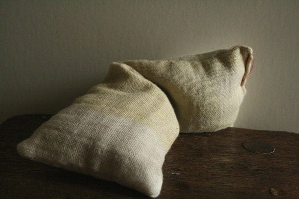 YOGA EYE PILLOW. organic french lavender, geranium, eucalyptus and flax seeds. gift for men and women. bath and beauty. ooak by pamelatang - pamelatang