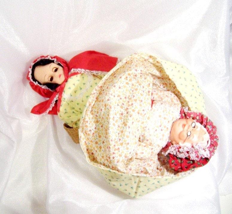 """Topsy-Turvy Doll - """"Wendy's Wee Woolies"""" Miniature"""