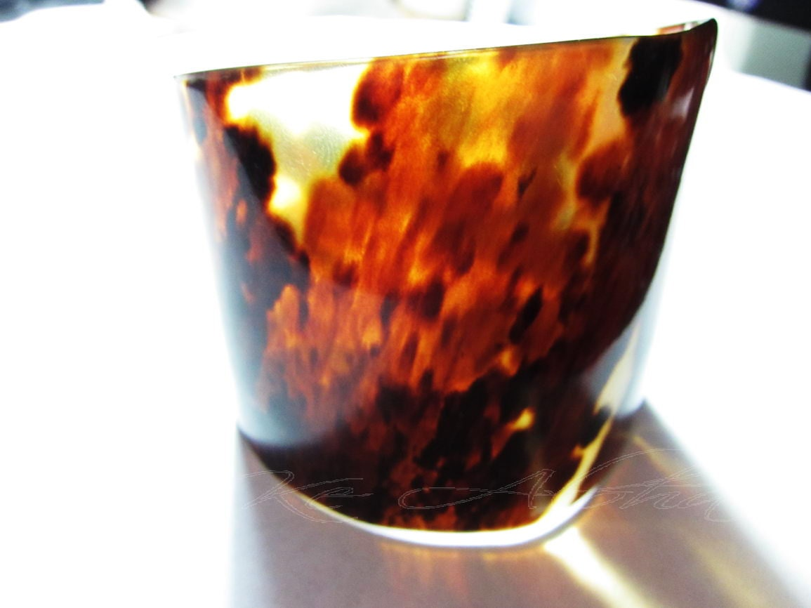 "52mm WIDE Vintage 1980's Hawaii Tortoise Shell Cuff Bracelet,7"" inch"