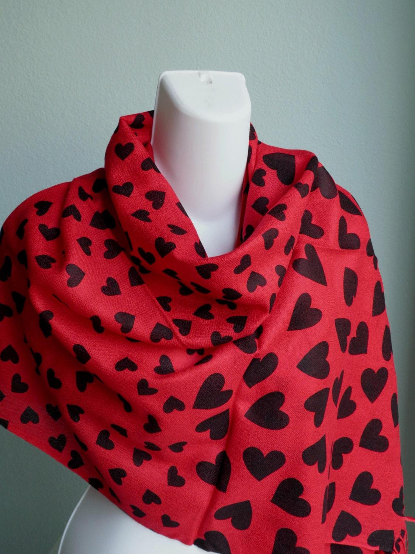 heart print scarf