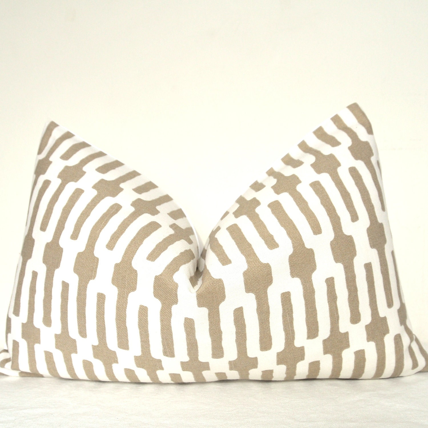 Pillow Cover - Decorative Pillow - Throw Pillow - Sofa Pillow - Accent Pillow - Annie Selke - Links - 12x20 in - Taupe - Lumbar