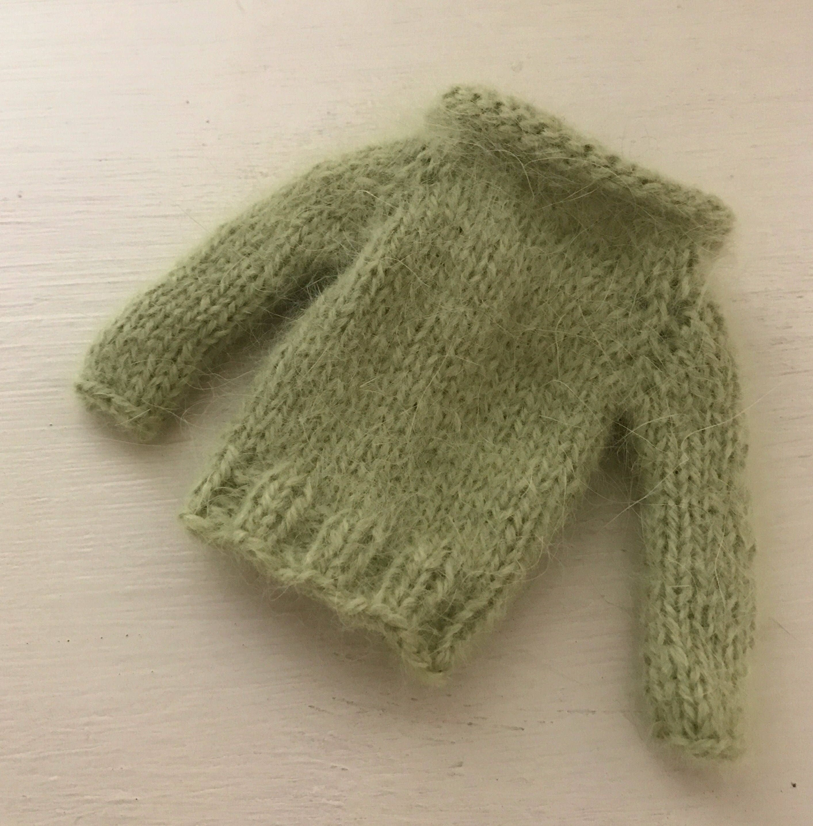 BLYTHE DOLL Apple Green Angora Hand Knitted Sweater Jumper  with Normal Length Sleeves Blythe Dolls Pullip Azone