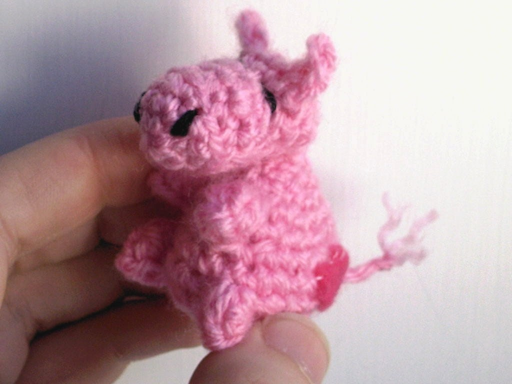 The Love Hippo -- tiny amigurumi hippo