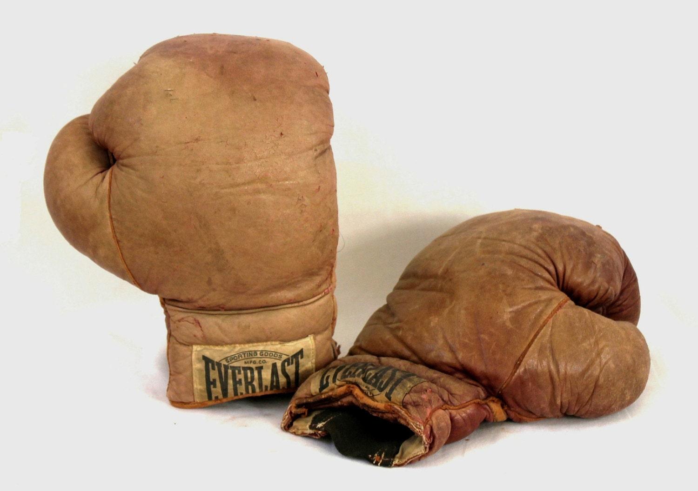 old everlast leather boxing gloves decent by abslewtlyvintage. Black Bedroom Furniture Sets. Home Design Ideas