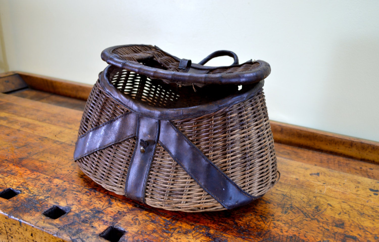 Vintage fishing creel fly fishing creel wicker by for Fly fishing creel