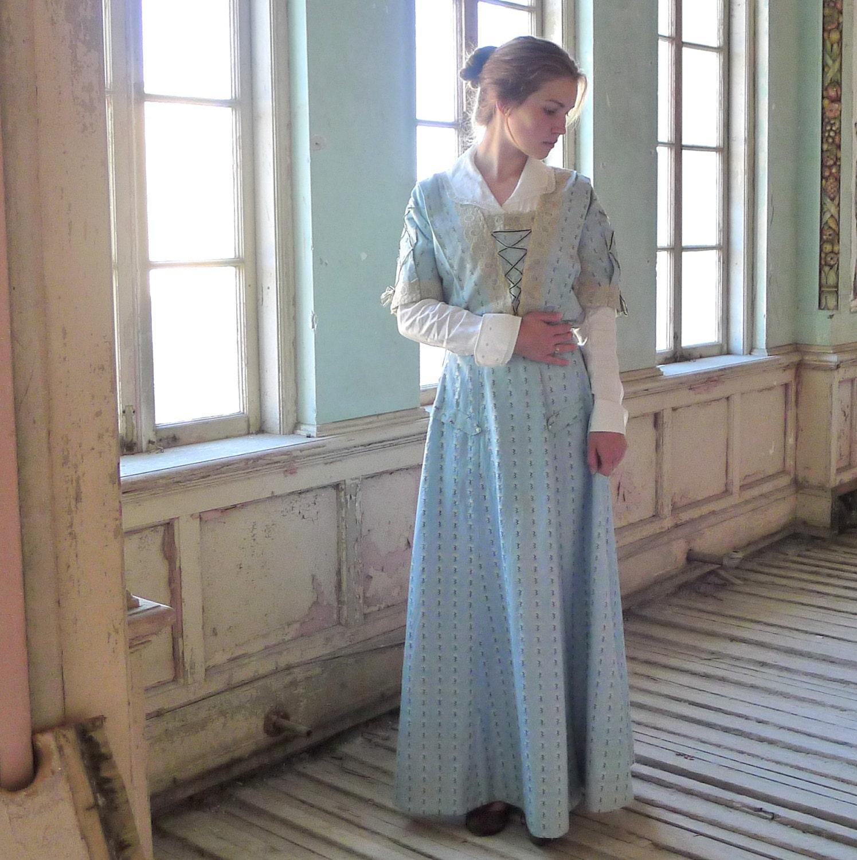 1890s Skirt and Bodice XS $340.00 AT vintagedancer.com