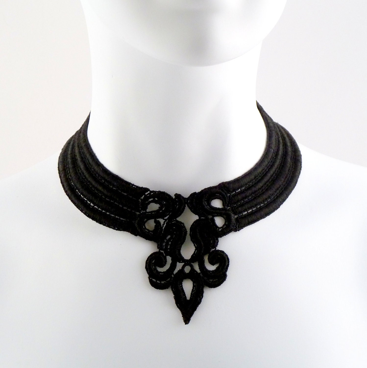Fleur de Lys Choker (black, necklace, lys, french, fashion, medieval, renaissance, lace, Quebec, gothic, goth, Louisiana, jewelry, chocker) - Arthlin