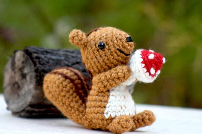 Amigurumi Squirrel Crochet Pattern : Squirrel Amigurumi by aminfriends on Etsy