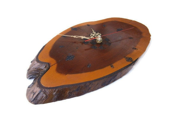 Wooden wall clock - Yew Wood Slice