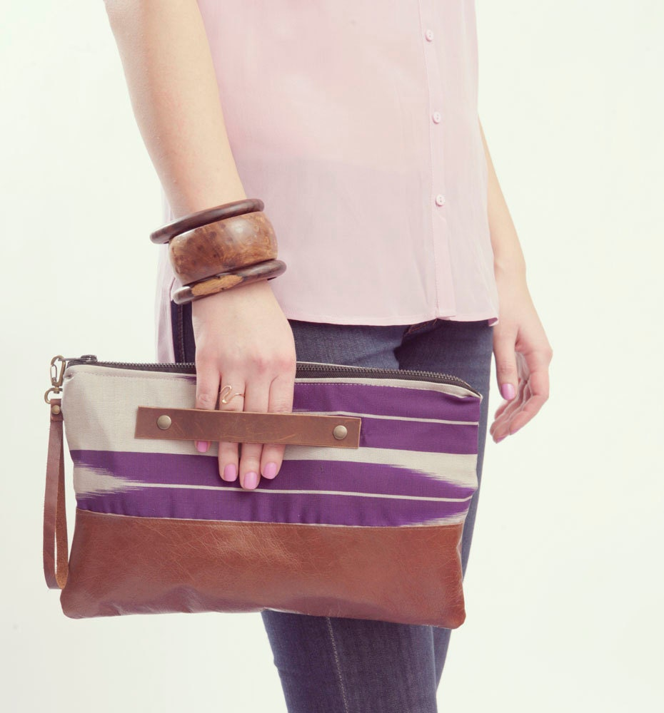 ARROW CLUTCH. Brown Leather Clutch. Wrist Strap Clutch. Oversized Clutch. Tribal Print Bag.