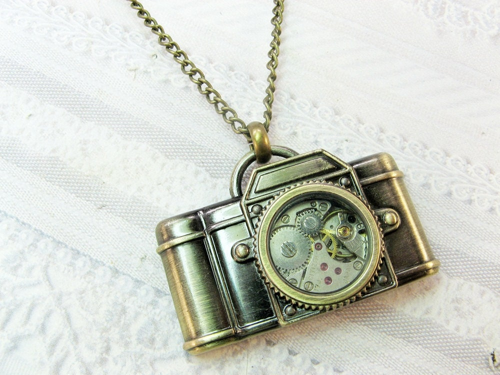 Camera Necklace - Steampunk Camera - Jewelry by BirdzNbeez