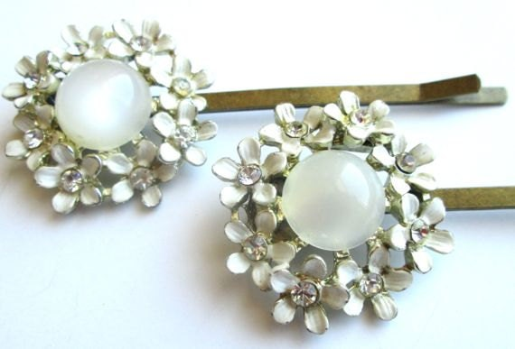 Bridal White Hair Accessories Vintage Jewelry Enamel Flowers Bobby Pins Clips