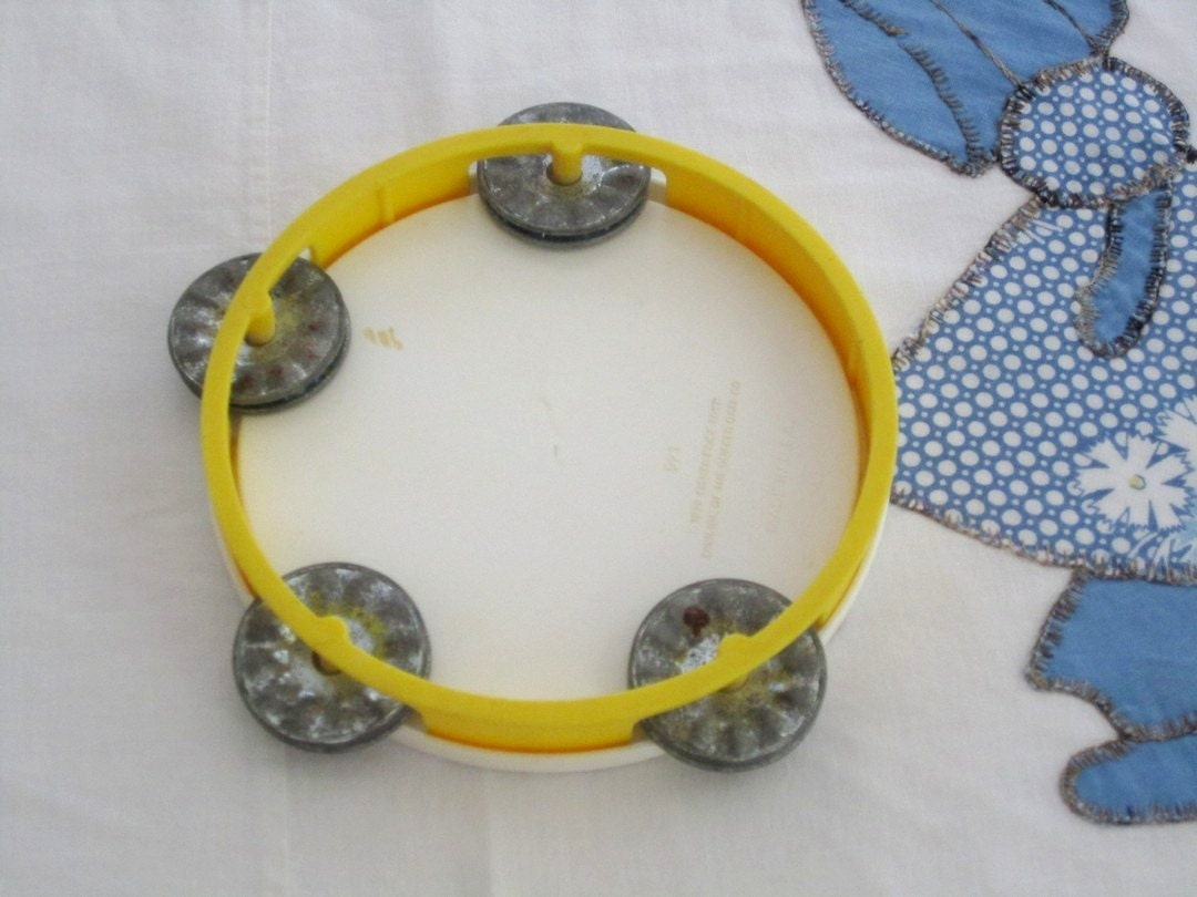 Fisher Price tambourine vintage 1979 - OliversForest