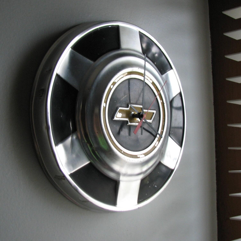 Vintage 1970's Chevy Truck Hubcap Clock no.1823 - 8milecreekdesigns