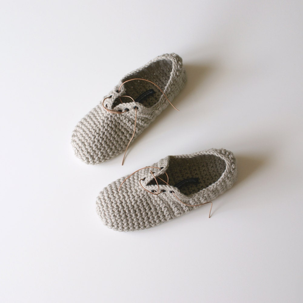 Lace Up Slippers - Unisex crochet slippers in Fawn - WhiteNoiseMaker