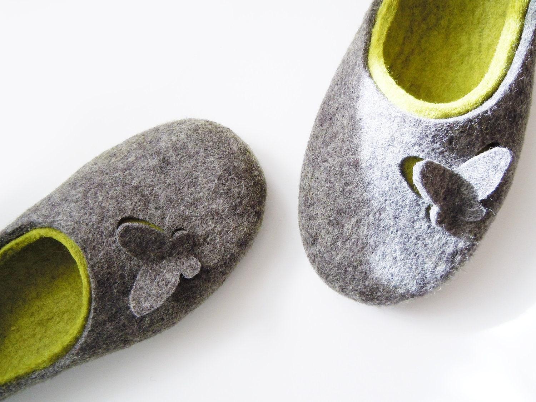"Felted slippers ""Butterflies"" - Simonascrafts"