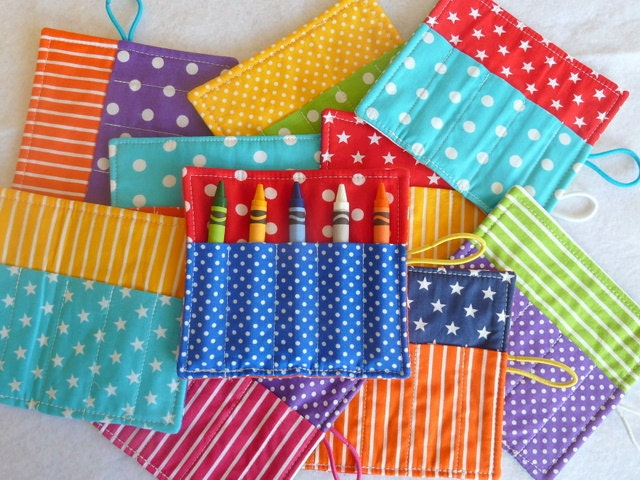 Crayon Roll - Party Favor - Children's Birthday Party - Rainbow Colors - 10 Pack - FeltLikeCelebrating