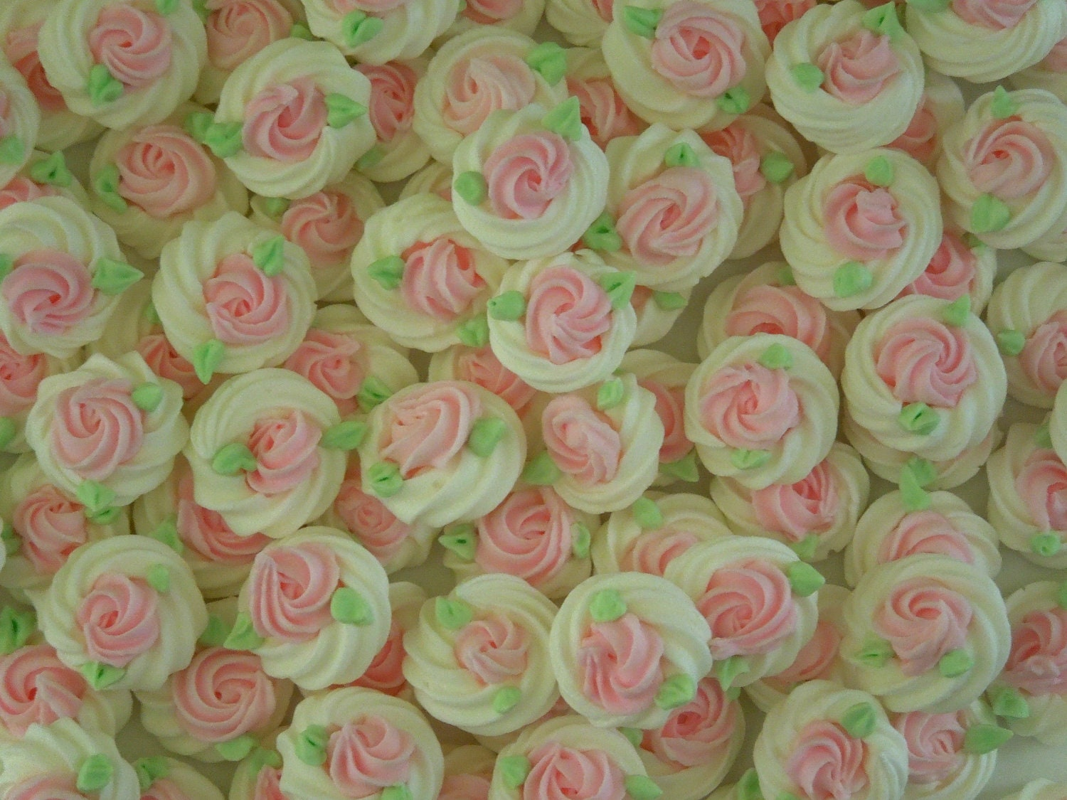 Cake Decorating Borders : Items similar to Royal Icing Borders for cake decorating ...