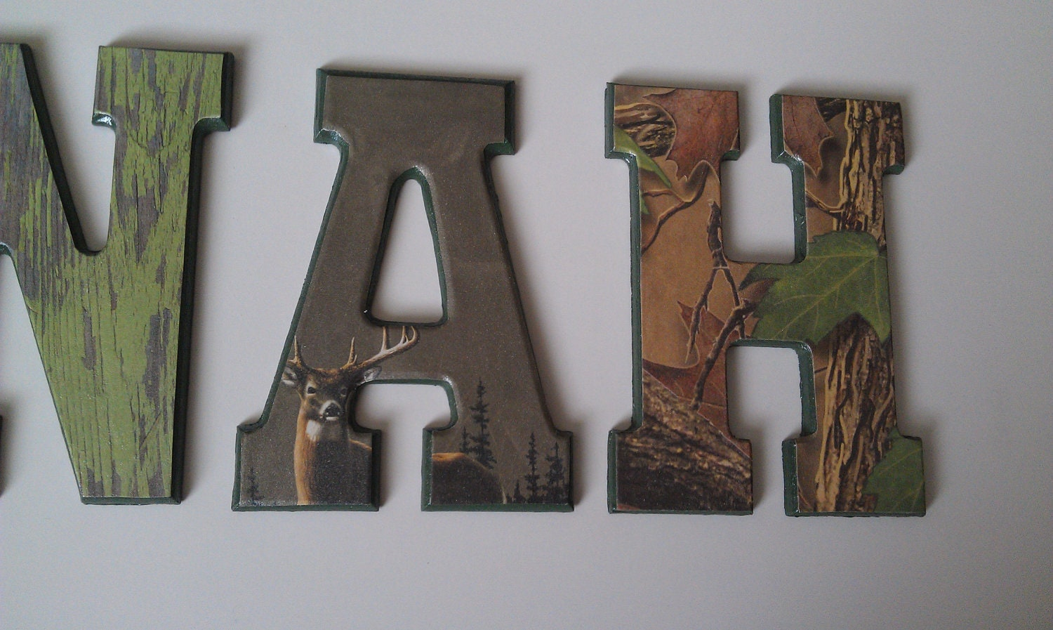 Huntingcamo wall letterskids room by kendraskuties on etsy for Camo kids room