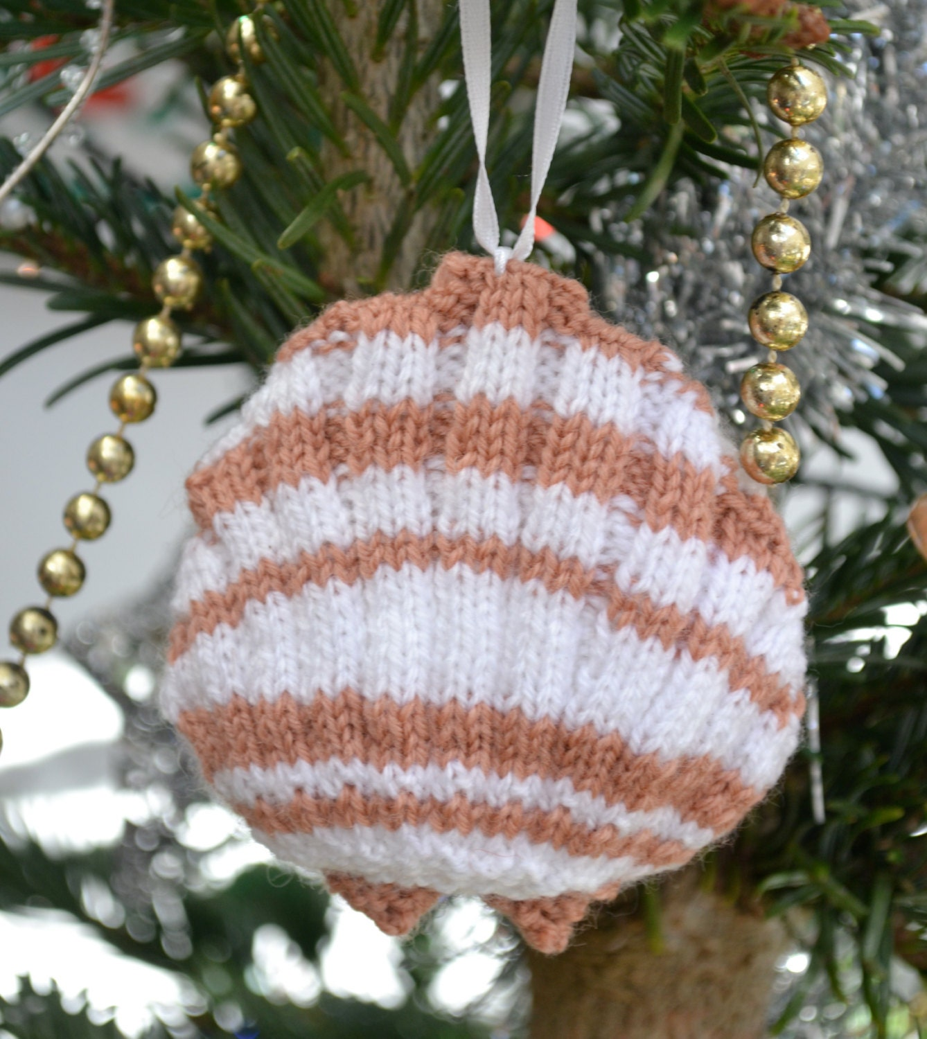 Scallop Knitting Pattern : Scallop Shell Knitting Pattern by GinxCraft on Etsy