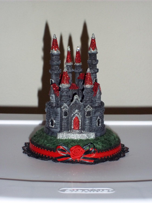 Items similar to Custom Gothic Castle Hochzeitstorte Topper on Etsy