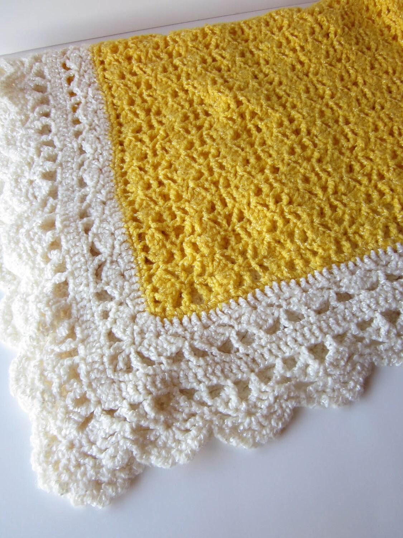 Crochet Baby Blanket-Yellow and Cream-Vintage Receiving Blanket - RagtimeTreasures