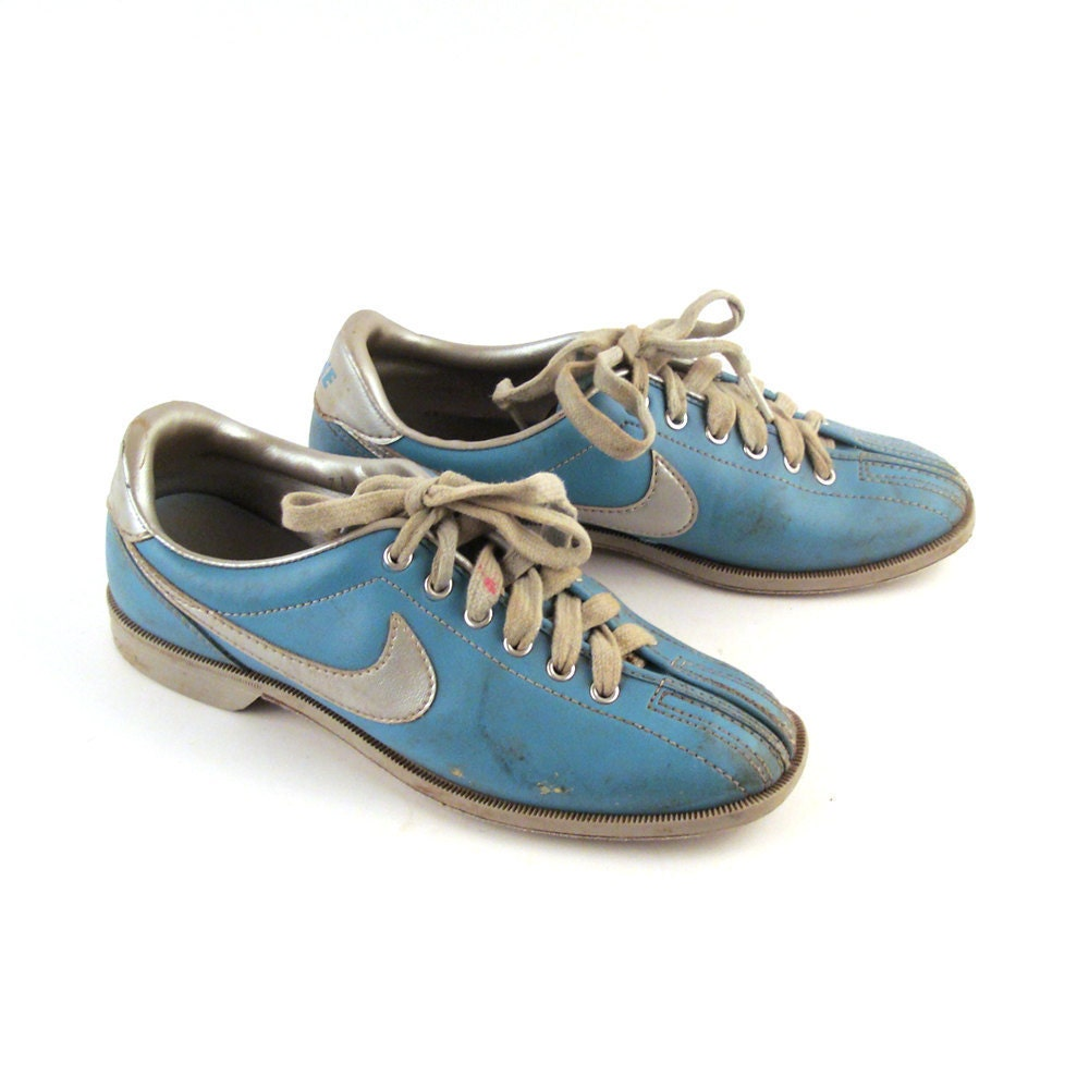 Vintage 1980s Nike Blue Bowling Shoes Women's 7 1/2