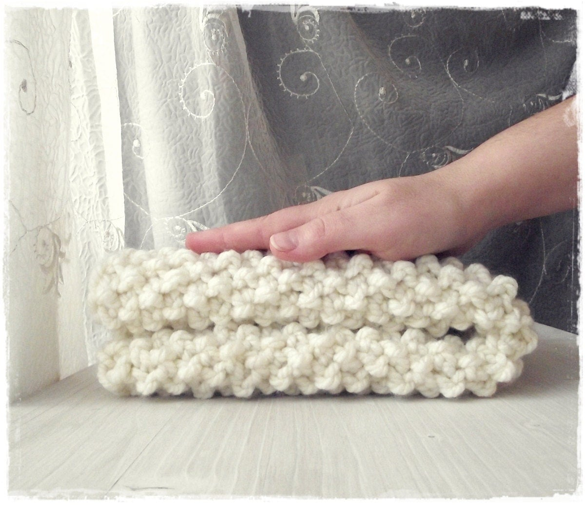 Free Shipping White Cream Mini Baby Blanket, Chunky Hand knit Baby Photo Prop Blanket, Security Blanket, Chunky Knit Blanket - ZucchiniIsland