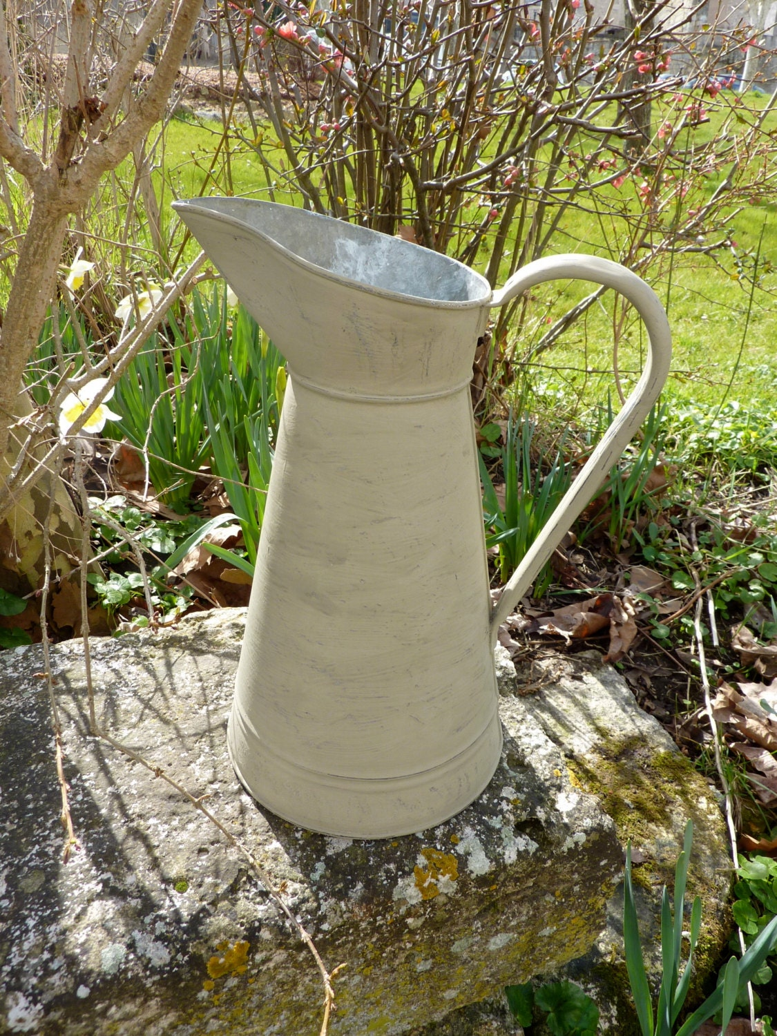 Vintage French Watering Can Kitchen or Garden Decoration - RuedesTrouvailles
