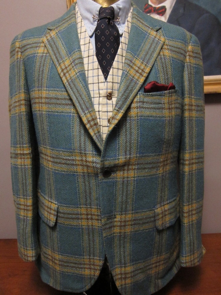 1960s Saks Light Blue Plaid Tweed Sack Sportcoat 40S