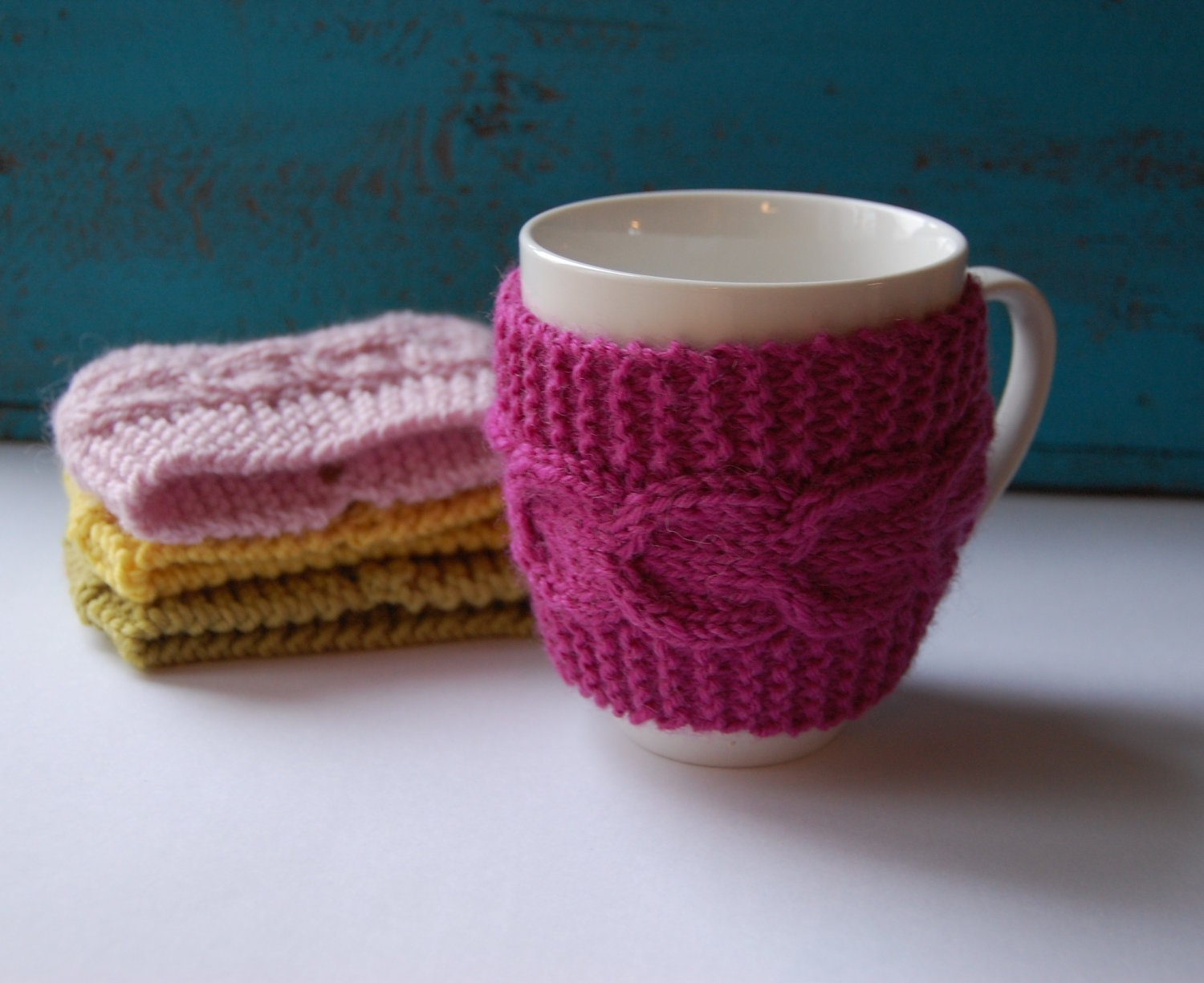 Items similar to Coffee cup cozy hand knit with cable pattern, mug sleeve / m...