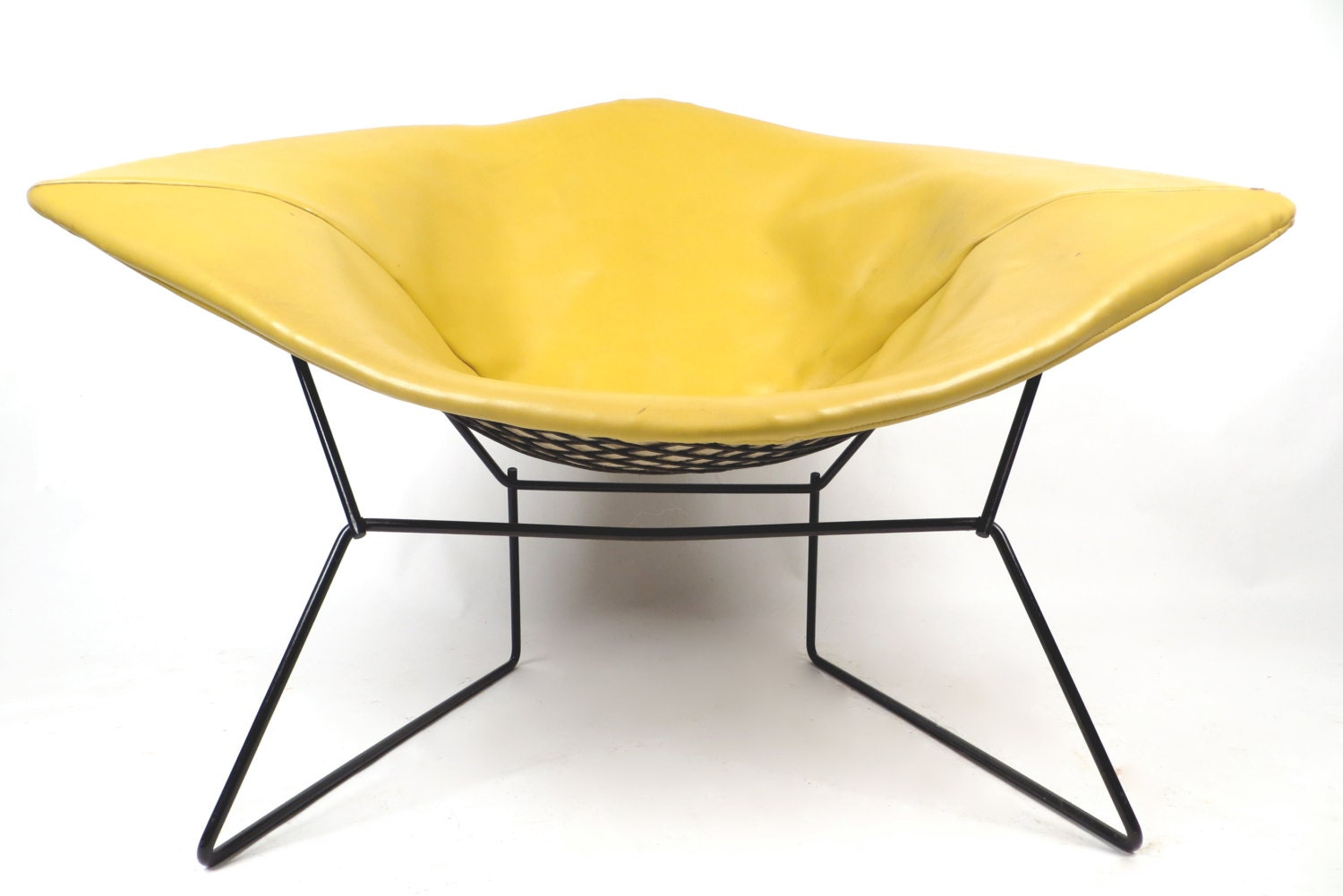 Knoll Bertoia large diamond chair with yellow cover. Free shipping in USA on sale - hermanmillermodern