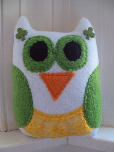 Plush Owl Ailbe the Irish Dancer - St. Patricks Day Owl - White and Green Owl