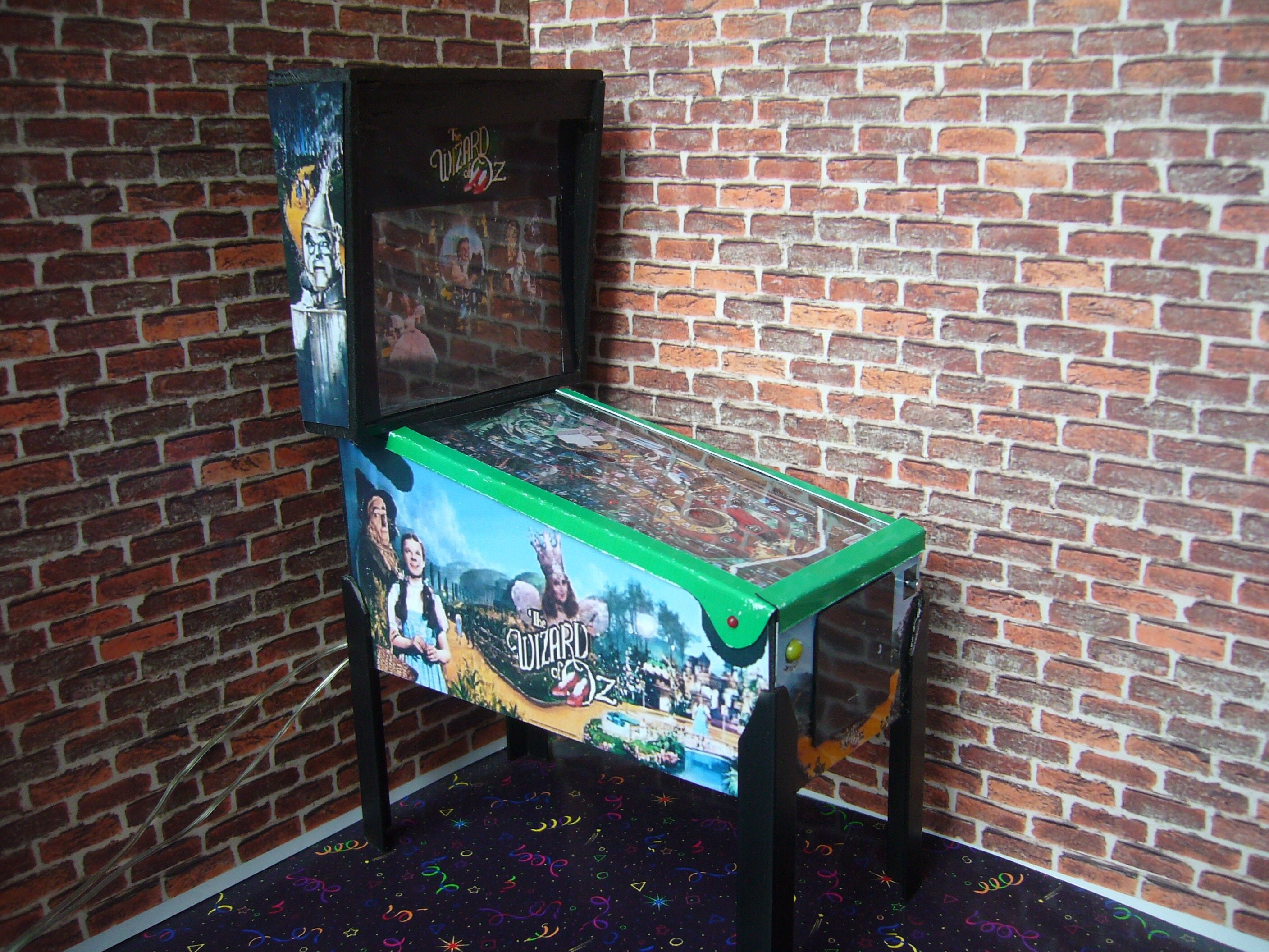 WIZARD OF OZ   Miniature Pinball Table Model 112 Scale