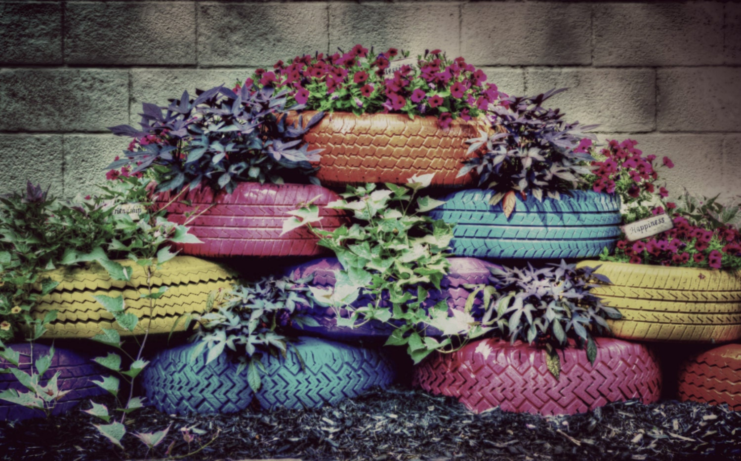 On sale tire planter photograph painted by americanaartbyellis - Painted tires for flowers ...