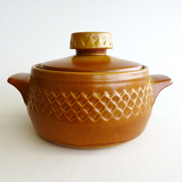 Vintage diana pottery nefertiti casserole dish by eclecticmoi for Diana dishes