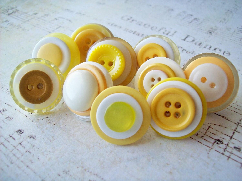 Button Push Pins - DixiesNightOwl