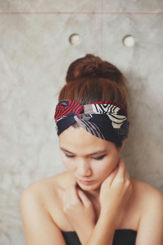 Paris je t'aime, Turban Twist Headband - red blue white grey graphic print - Rumraisina