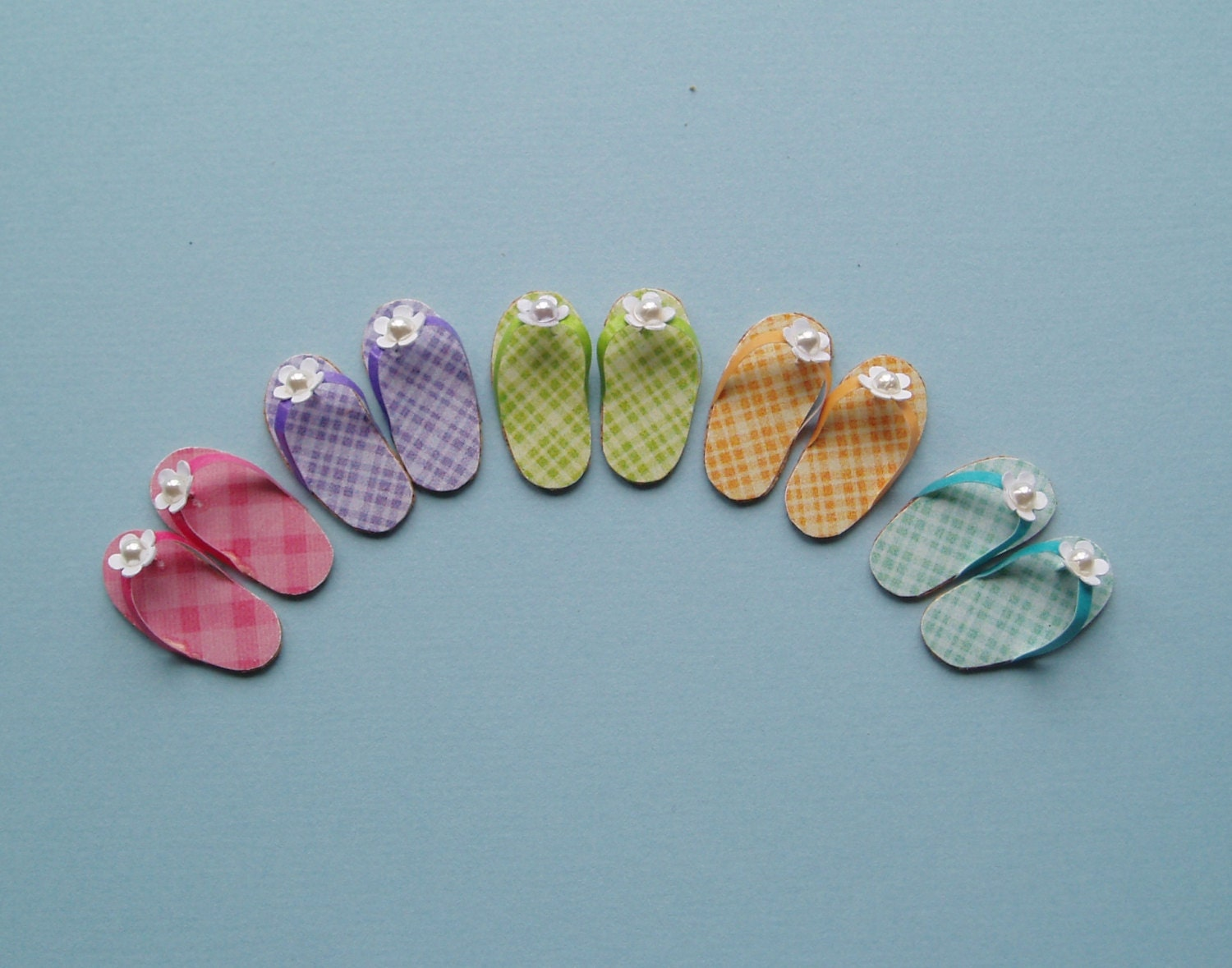 One pair of Daisy Flip flops from a Choice of 5 Colours  112 or 112 Scale Dollhouse Miniature Pink Lilac Lime Green Turquoise Yellow