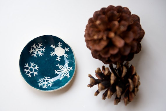 Green Snowflake Candle Holder - Handmade Ceramics by RossLab - RossLab