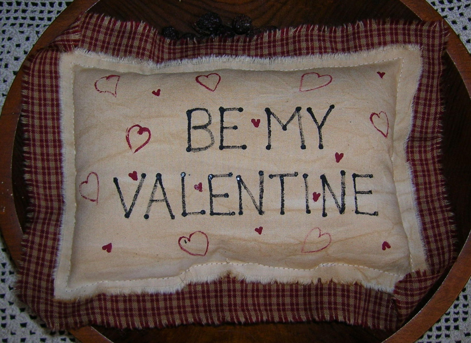 Primitive Valentine Pillow Sign Wallhanging Door Greeter Hearts Be My Valentine Shelf Sitter