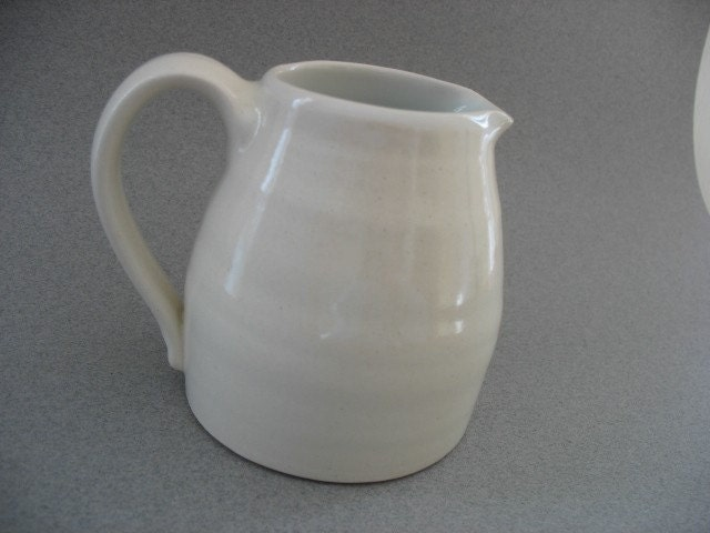 White creamer - Ceruleanblue